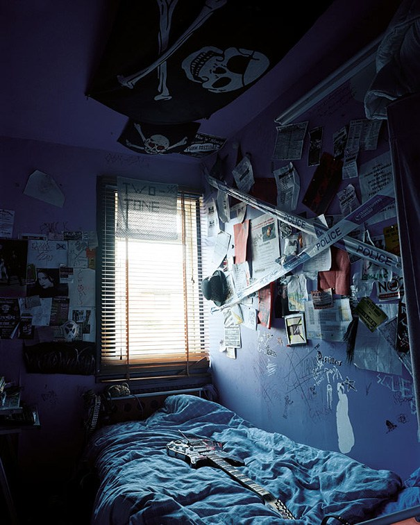 RHIANNON'S BEDROOM by James Mollison - Where Children Sleep